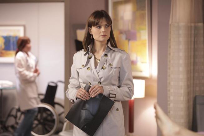 Emily Deschanel in Bones (2005)