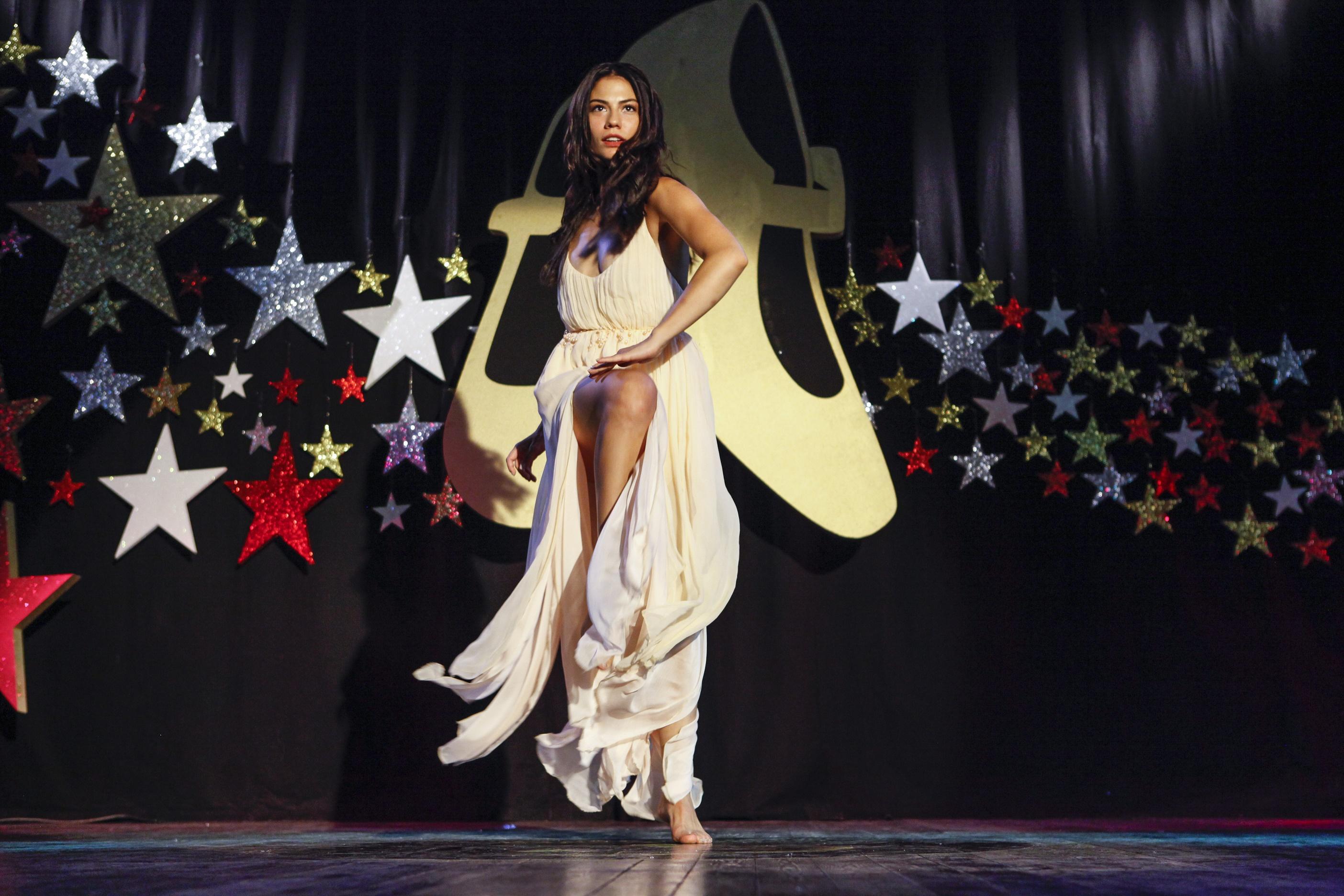 Demet Özdemir in Sen Kiminle Dans Ediyorsun (2017)