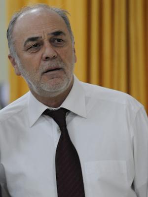 Sait Genay in Evim Sensin (2012)