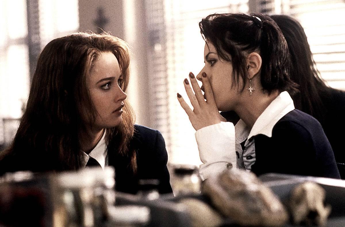 Fairuza Balk and Robin Tunney in The Craft (1996)