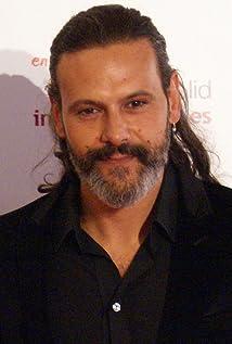 Roberto Enríquez Picture