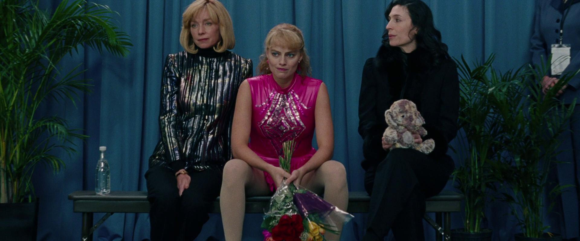 Julianne Nicholson, Cara Mantella, and Margot Robbie in I, Tonya (2017)