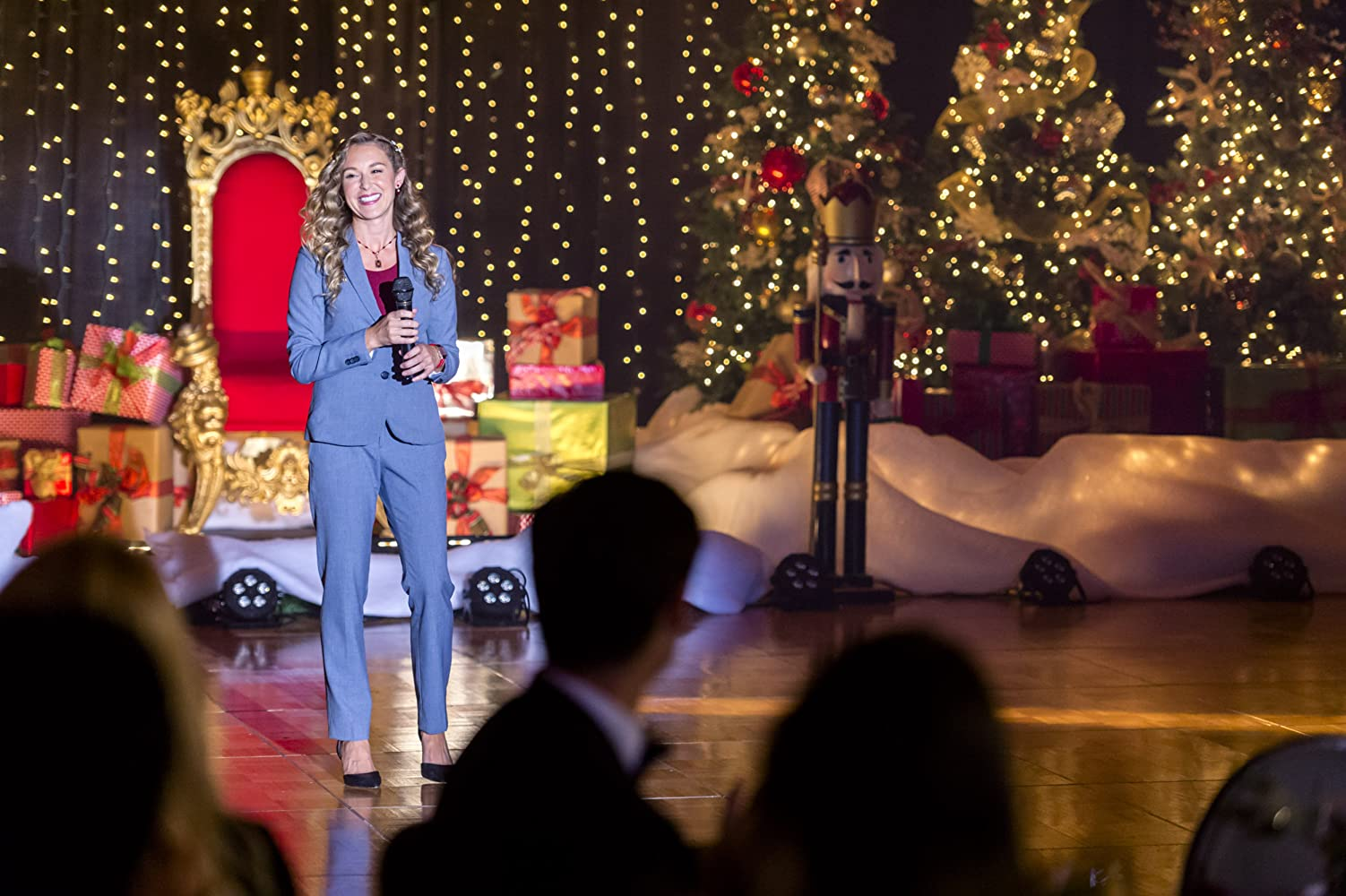 alexa penavega in enchanted christmas 2017