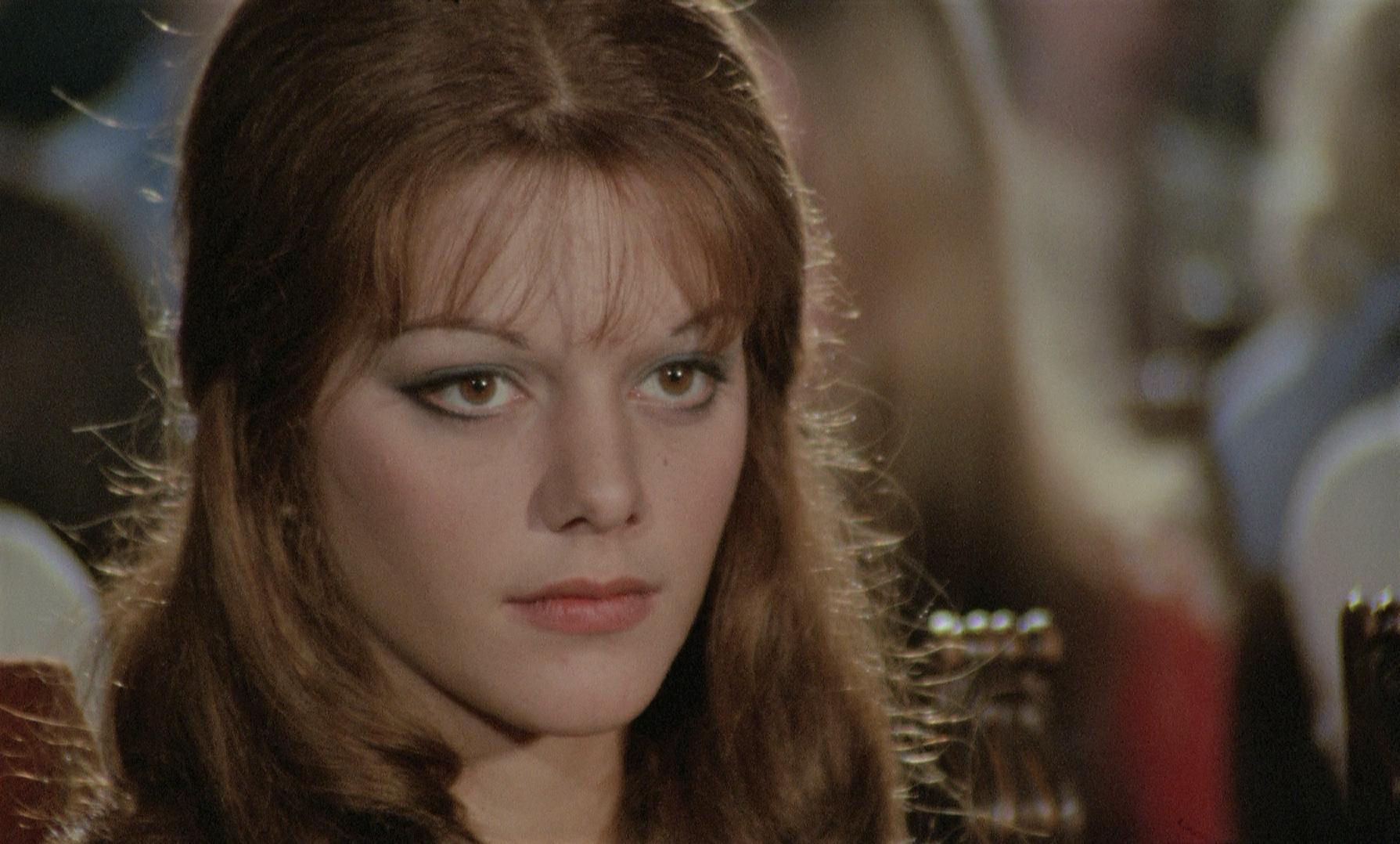 Tina Aumont in I corpi presentano tracce di violenza carnale (1973)