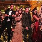 Salman Khan, Vikas Gupta, Hina Khan, Shilpa Shinde, and Puneesh Sharma in Bigg Boss (2006)