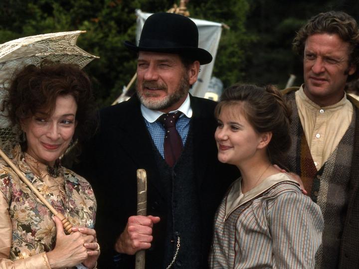 Kellie Martin, Dixie Carter, Stewart Finlay-McLennan, and Robert Foxworth in Christy (1994)