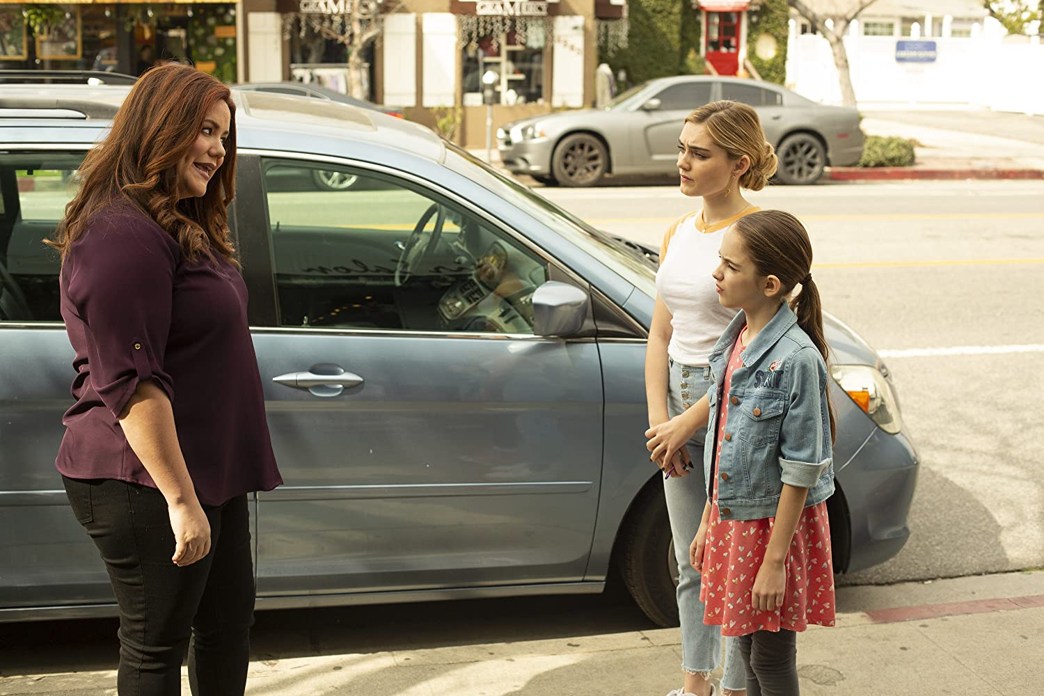Katy Mixon, Meg Donnelly, and Julia Butters in American Housewife (2016)