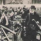 P.J.C. Janssen in Le débarquement du congrès de photographie à Lyon (1895)