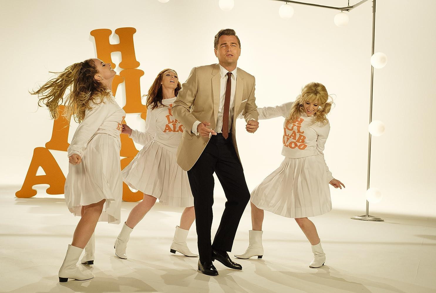 Leonardo DiCaprio, Michaela Sprague, Kayla Radomski, and Ryan Ramirez in Once Upon a Time ...in Hollywood (2019)