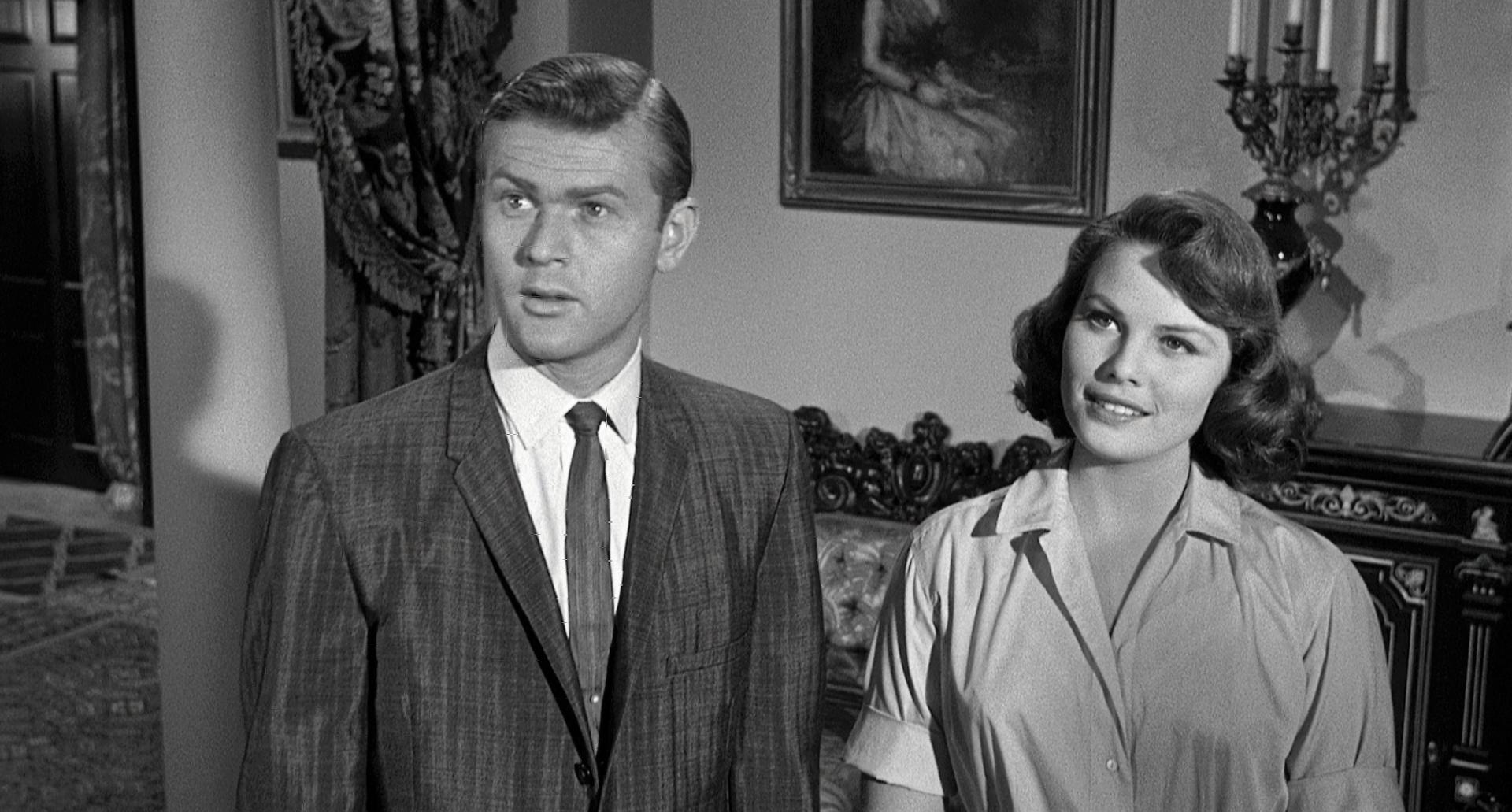 Martin Milner and Jo Morrow in 13 Ghosts (1960)