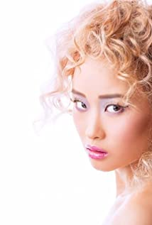 Valerie Tian Picture