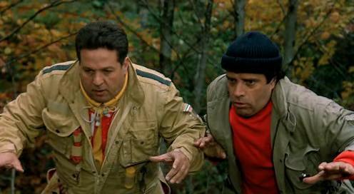 Enrico Montesano and Renato Pozzetto in Noi uomini duri (1987)