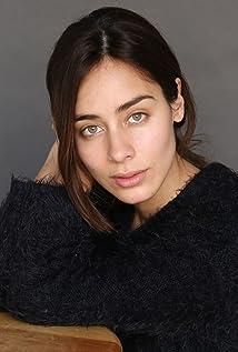 Esmeralda Pimentel Picture