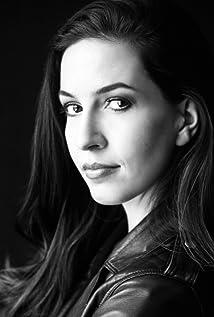 Ivana Radjenovic Picture