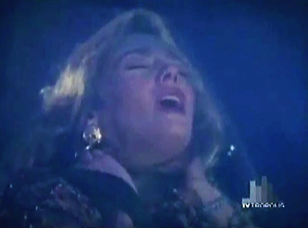Nancy Cser in Counterstrike (1990)