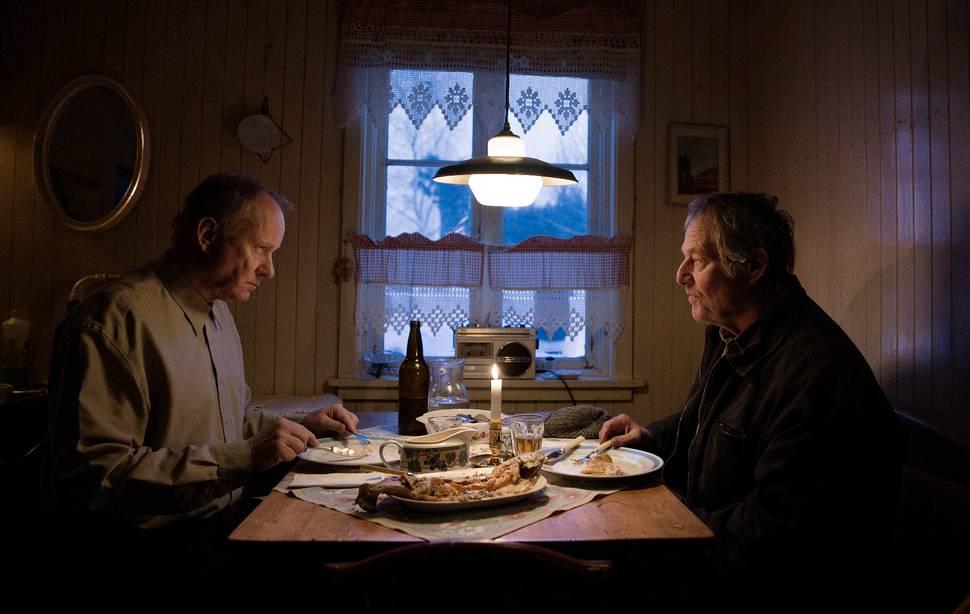 Stellan Skarsgård and Bjørn Floberg in Ut og stjæle hester (2019)