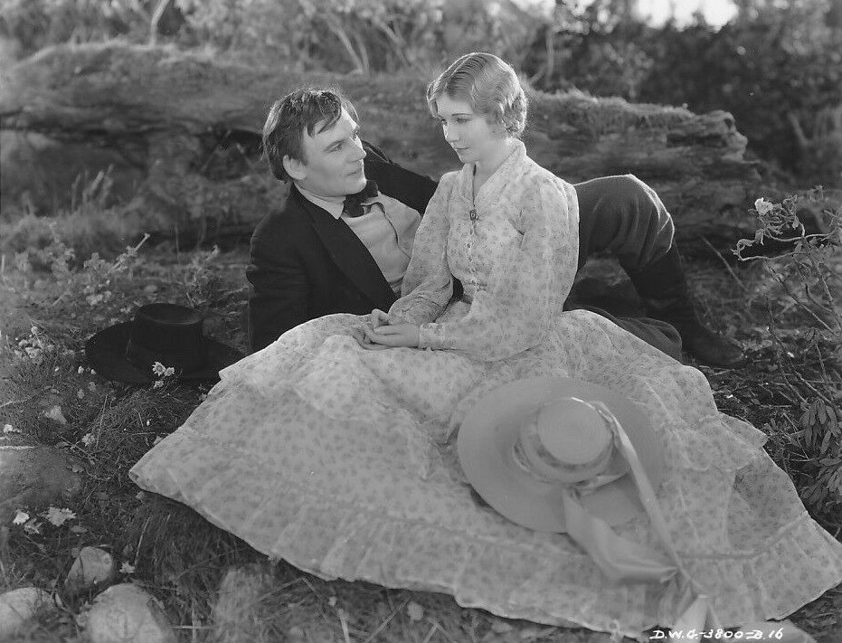 Walter Huston and Una Merkel in Abraham Lincoln (1930)