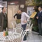 Tony Britton, David Kelly, Richard O'Sullivan, and Tessa Wyatt in Robin's Nest (1977)
