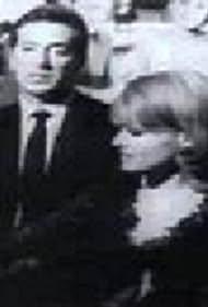 Giorgos Kabanellis and Antzela Zileia in Kane ton pono mou hara (1966)