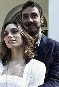 Gabriel Godoy and Juliana Schalch in O Negócio (2013)