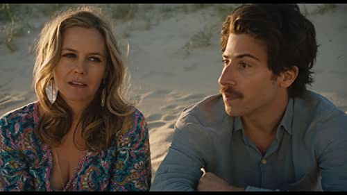 Alicia Silverstone (Clueless) and Tom Everett Scott (That Thing You Do) star in a destination wedding weekend gone off the rails.