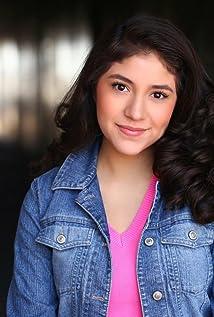 Julia Flores Picture