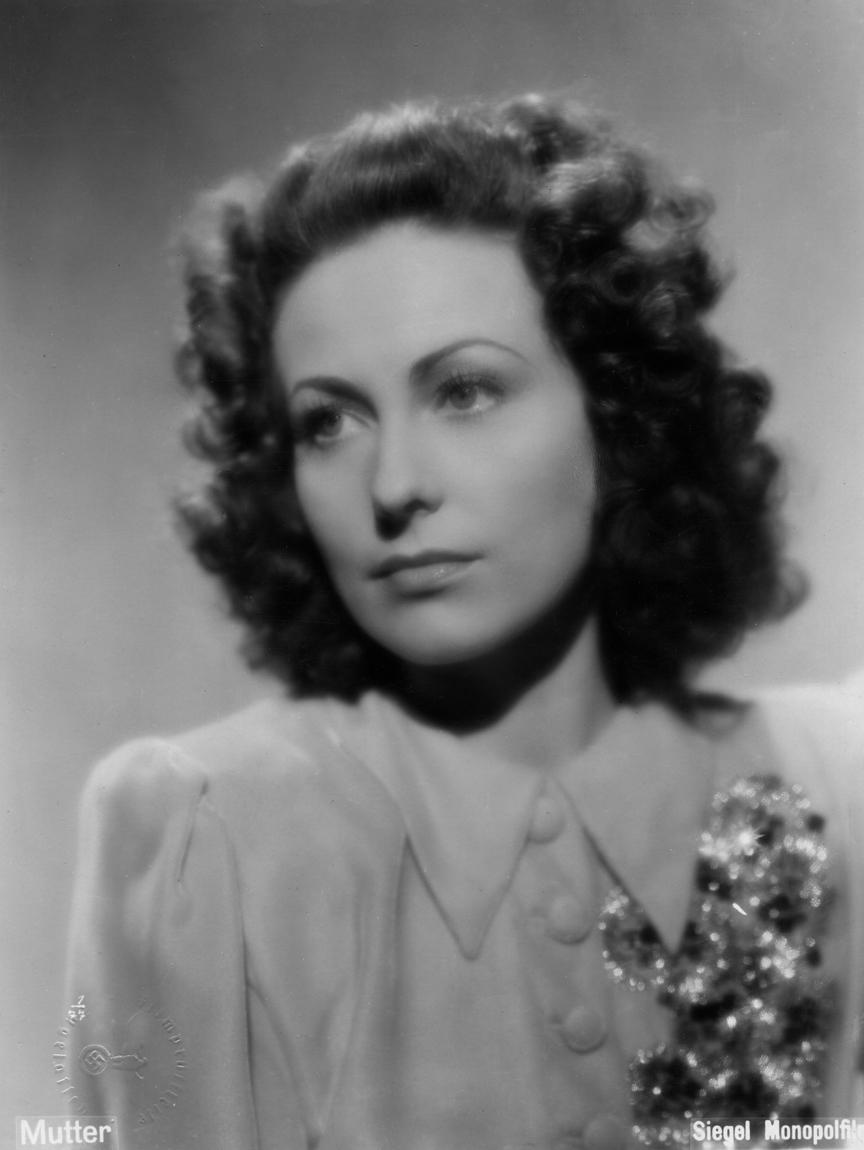 Carola Höhn in Mamma (1941)