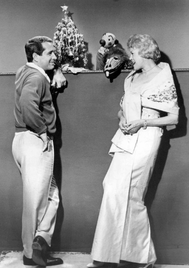 Fran Allison and Perry Como in The Perry Como Show (1948)