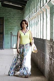 Shivani Rangole Picture