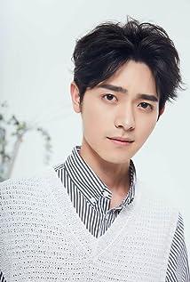 Mingjie Luo