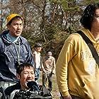 Kôji Yakusho and Shun Oguri in Kitsutsuki to ame (2011)