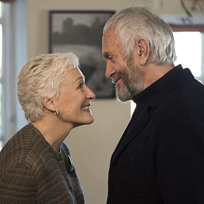 Glenn Close and Jonathan Pryce in The Wife (2017)