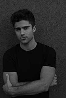 Max Ehrich Picture