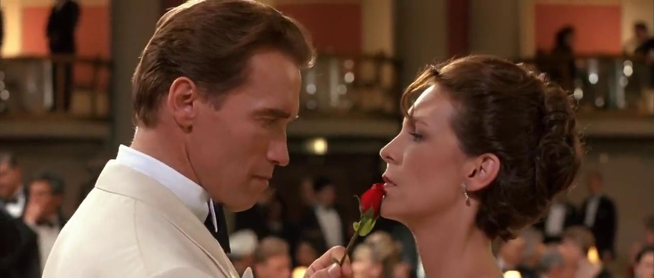 Jamie Lee Curtis and Arnold Schwarzenegger in True Lies (1994)