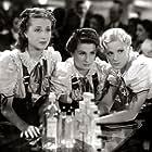 Niní Marshall, Alita Román, and Pepita Serrador in Mujeres que trabajan (1938)