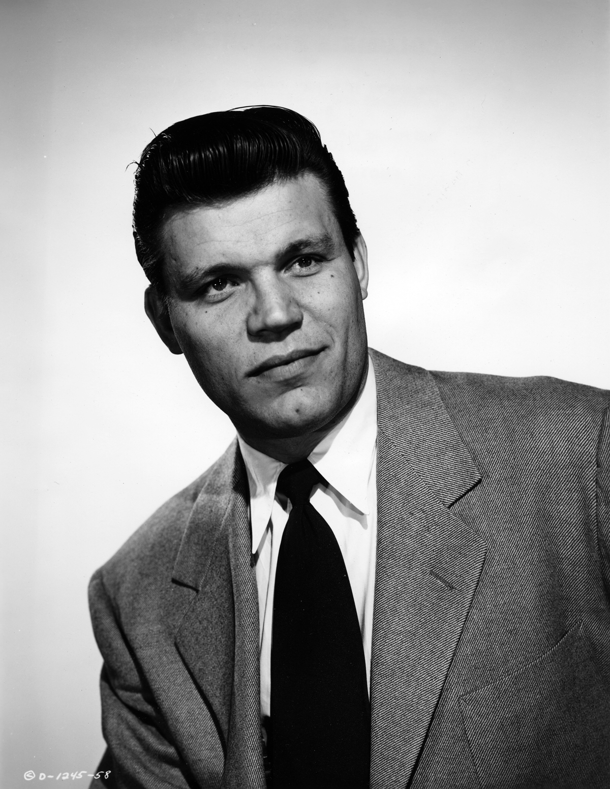 Neville Brand in The Mob (1951)