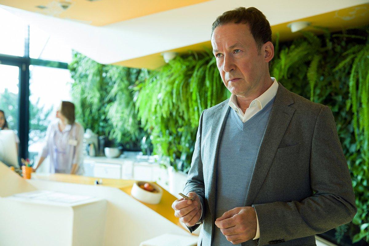Ulrich Noethen in Schwartz & Schwartz: Mein erster Mord (2018)