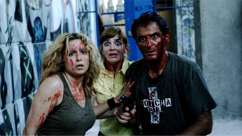 Meletis Georgiadis and Pepi Moschovakou in To kako - Stin epohi ton iroon (2009)