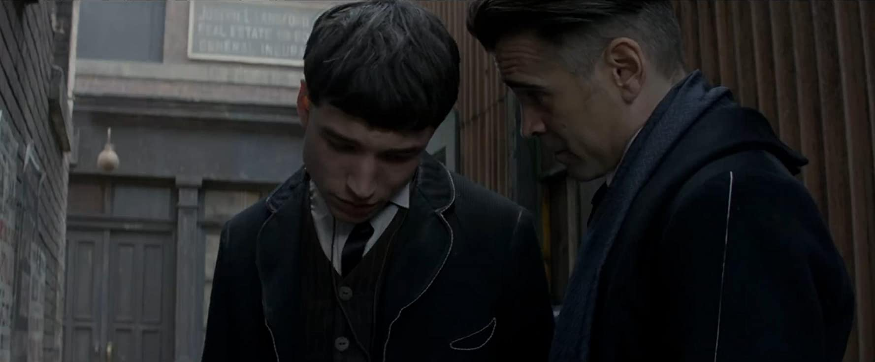 Colin Farrell and Ezra Miller in Fantastic Beasts and Where to Find Them (2016)