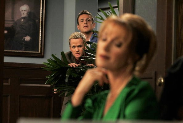 Neil Patrick Harris, Jane Seymour, and Jason Segel in How I Met Your Mother (2005)
