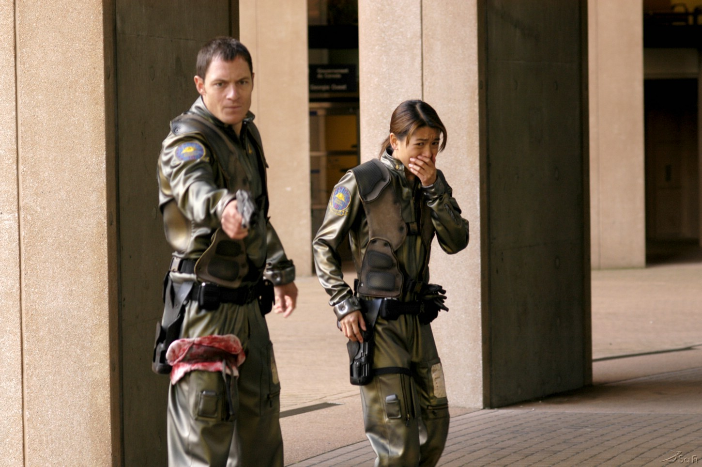 Grace Park and Tahmoh Penikett in Battlestar Galactica (2004)