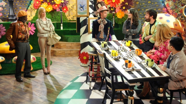 Jennifer Coolidge, Garrett Morris, Kat Dennings, Jonathan Kite, John Milhiser, Matthew Moy, and Beth Behrs in 2 Broke Girls (2011)
