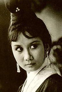 Hilda Chow Hsuan Picture