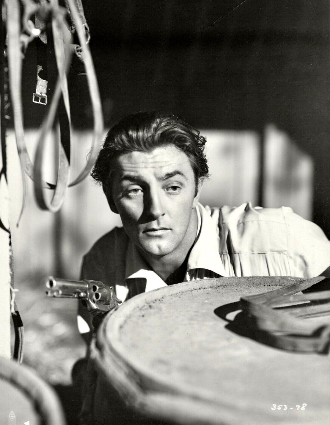 Robert Mitchum in Pursued (1947)