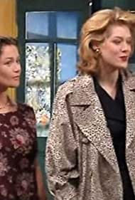 Florence Geanty and Rochelle Redfield in Karine et Ari (1996)