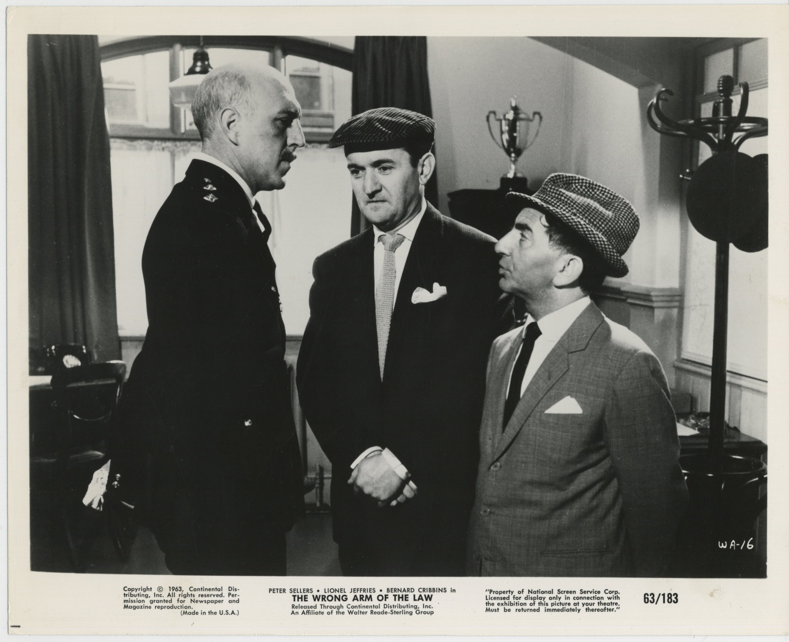 Lionel Jeffries, Davy Kaye, and Graham Stark in The Wrong Arm of the Law (1963)