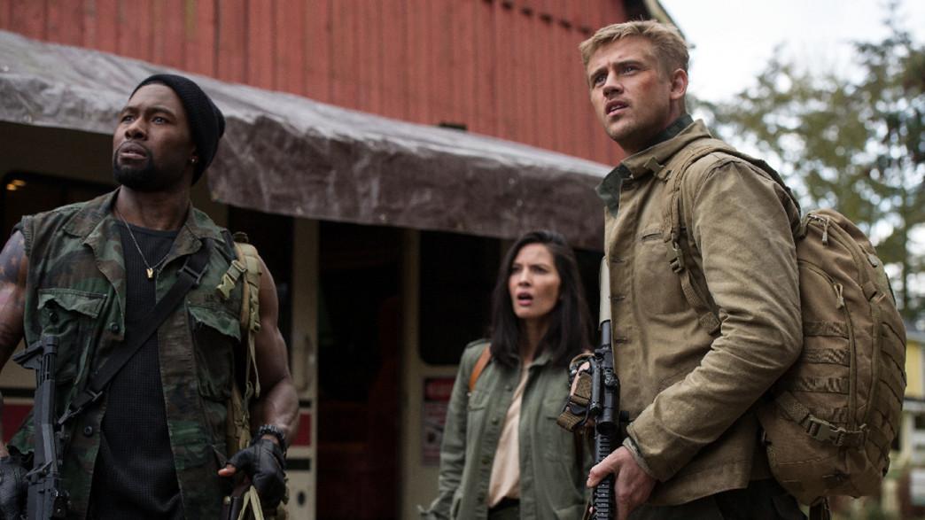 Olivia Munn, Boyd Holbrook, and Trevante Rhodes in The Predator (2018)