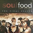 Vanessa Williams, Rockmond Dunbar, Darrin Dewitt Henson, Aaron Meeks, Nicole Ari Parker, and Malinda Williams in Soul Food (2000)