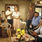 Corey Haim, James Garner, Dennis Burkley, Georgann Johnson, and Brian Kerwin in Murphy's Romance (1985)