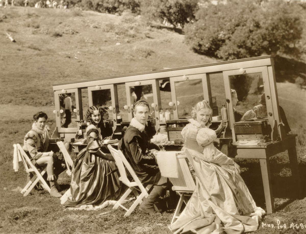 Olivia de Havilland, Ross Alexander, Jean Muir, and Dick Powell in A Midsummer Night's Dream (1935)